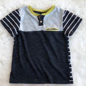 OshKosh Boys T-shirt Size 2T Stripes